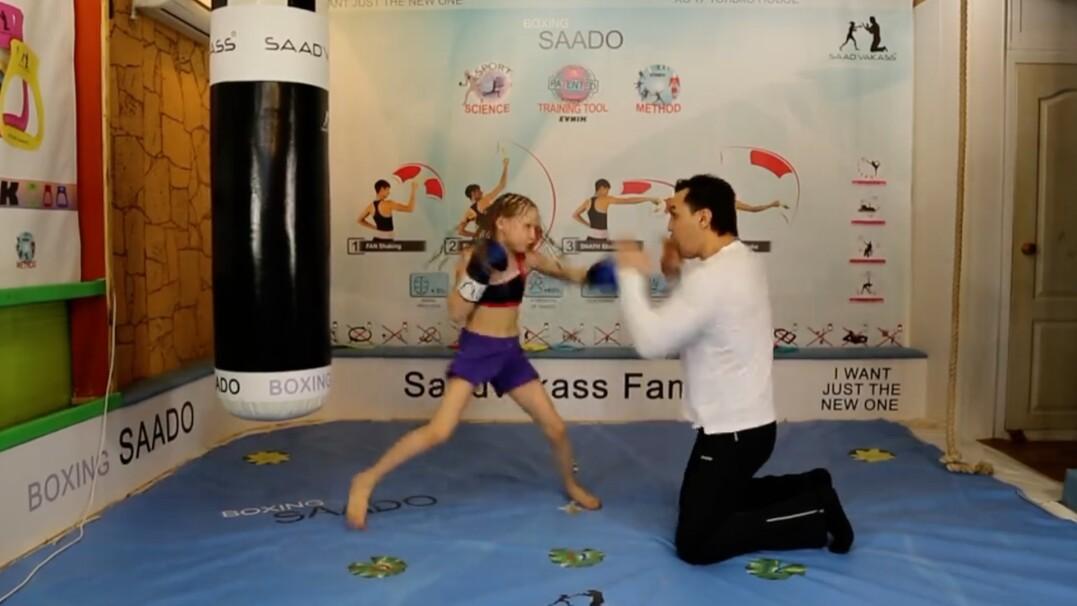 Tak bije mała bokserka z Kazachstanu
