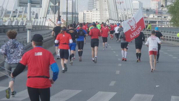 Maraton na boso Tomasz Zieliński/tvnwarszawa.pl