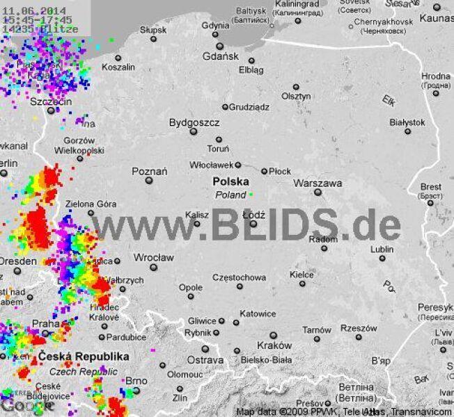 Wyładowania atmosferyczne nad Polską w godz. 15.45 - 17.45