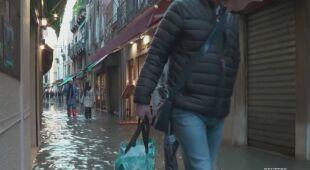 Wenecja przygotowuje się na trzecią falę